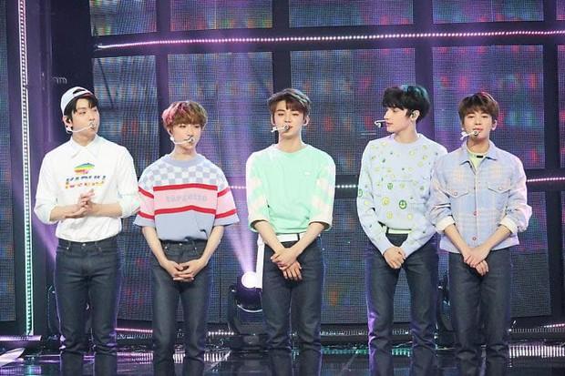 20 MV Kpop nhiều like nhất 24 giờ đầu: TWICE và EXO thua một tân binh, BTS dập BLACKPINK với thành tích gấp đôi - Ảnh 2.