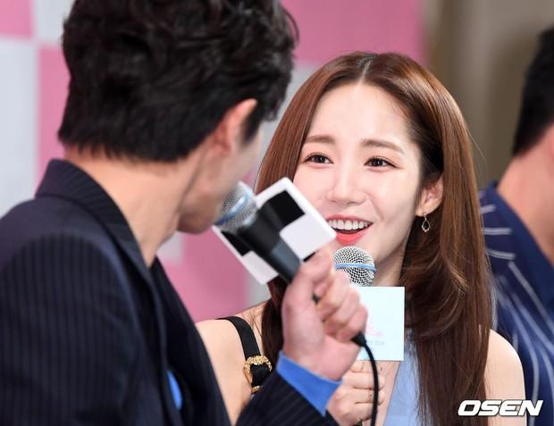 Nữ hoàng dao kéo Park Min Young đẹp ngất ngây, gây choáng khi diện váy xẻ tà khoe body siêu nuột tại sự kiện - Ảnh 14.