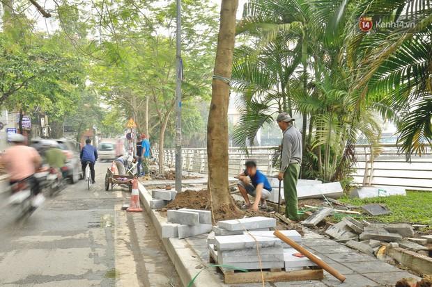 Hơn 100 tuyến phố tại Hà Nội đang được lát gạch bê tông vân đá - Ảnh 5.