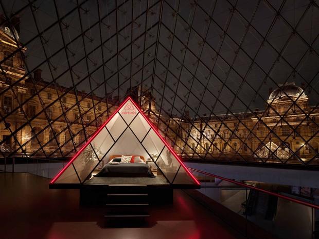 Chuyện thật như đùa: Bảo tàng Louvre (Paris) sắp biến thành Airbnb, kèm gói dịch vụ sang xịn ngang với gói của tổng thống Obama, Beyoncé, Jay-Z - Ảnh 1.