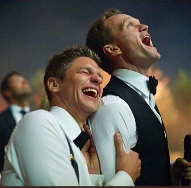 Cặp đồng tính nổi tiếng nhất Hollywood kỷ niệm 15 năm yêu: Tài tử How I met your mother giờ đã có 2 con với chồng - Ảnh 3.