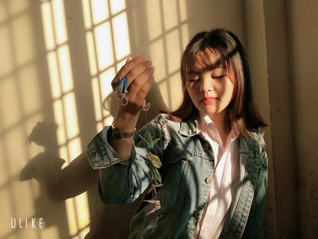 Đỉnh cao sống ảo của học sinh: Chỉ cần nắng chiếu qua cửa sổ cũng biến lớp học thành studio với loạt ảnh chất lừ - Ảnh 4.