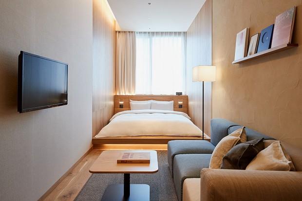 Không chỉ bán mỹ phẩm, Muji Nhật vừa khai trương khách sạn phong cách tối giản, giá sương sương 3 triệu/đêm - Ảnh 2.