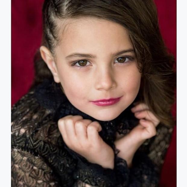 Mê mẩn nhan sắc của sao nhí thủ vai con gái Iron Man trong Avengers: Endgame: Mỹ nhân tương lai là đây! - Ảnh 2.