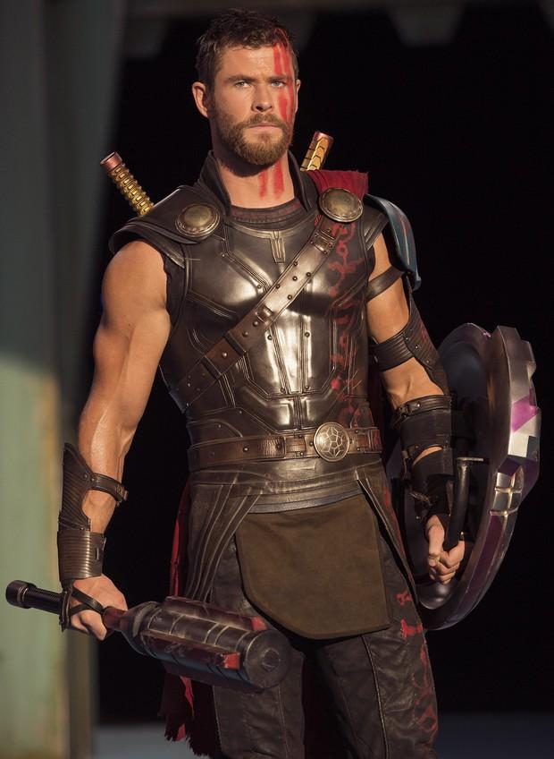 Cặp anh em đắt giá nhất thế giới Chris - Liam Hemsworth: Đẹp như thần, anh cưới cô đào hơn 7 tuổi, em lấy vợ quá bá đạo - Ảnh 7.