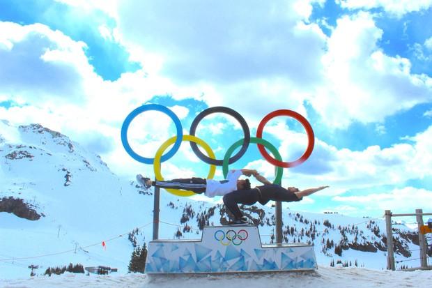 Anh em Quốc Cơ - Quốc Nghiệp diễn xiếc trên núi tuyết Canada, quyết tâm chinh phục cái lạnh -10 độ C - Ảnh 7.