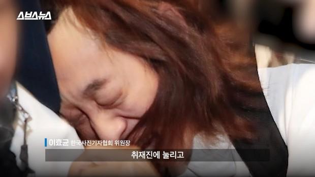 Tin nổi không: Ảnh Jung Joon Young méo mặt giữa biển phóng viên vì bê bối tình dục... đạt giải thưởng - Ảnh 4.