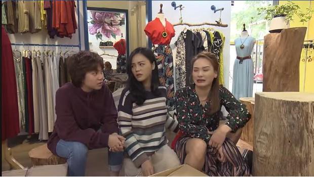 Trước cảnh chị 3 bị bố đánh, Ánh Dương đứng... cười trong Về Nhà Đi Con khiến khán giả tranh cãi - Ảnh 6.