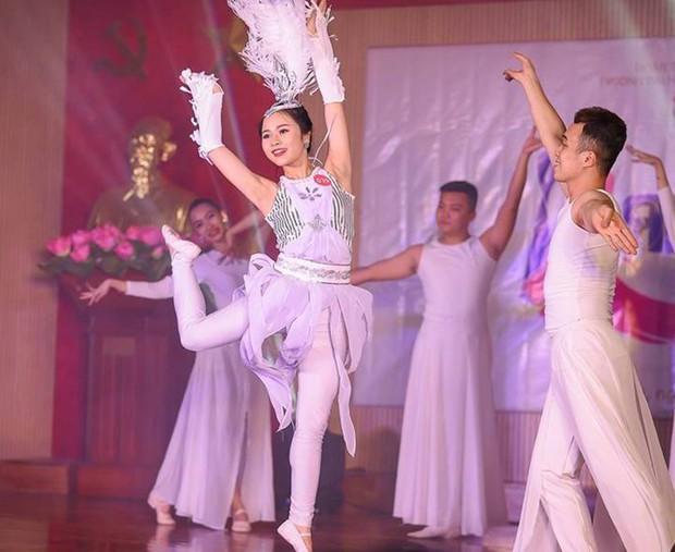 Ảnh: Vẻ đẹp của Hoa khôi Đại học Khoa học tự nhiên đam mê múa, võ thuật - Ảnh 10.