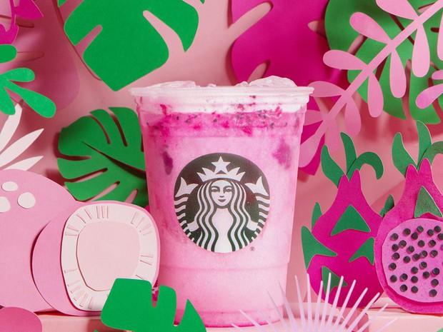 Starbucks ra mắt đồ uống mới màu hồng siêu bánh bèo, kết hợp những trái cây được rất nhiều người thích - Ảnh 1.