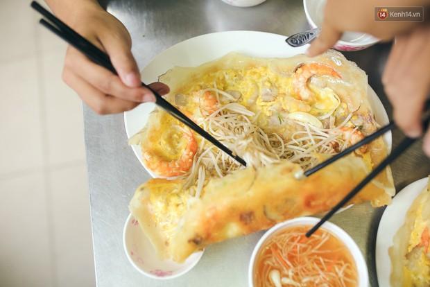 Để ý mới thấy, ở Hà Nội có mấy món bánh nhân tôm đỏ au cực hấp dẫn - Ảnh 3.
