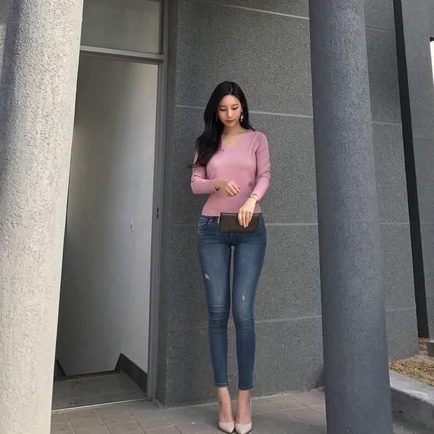 Nữ hoạ sĩ Webtoon 5,1 triệu lượt thích ở Hàn lần đầu lộ diện, body nóng bỏng của cô lấn át tất cả - Ảnh 7.