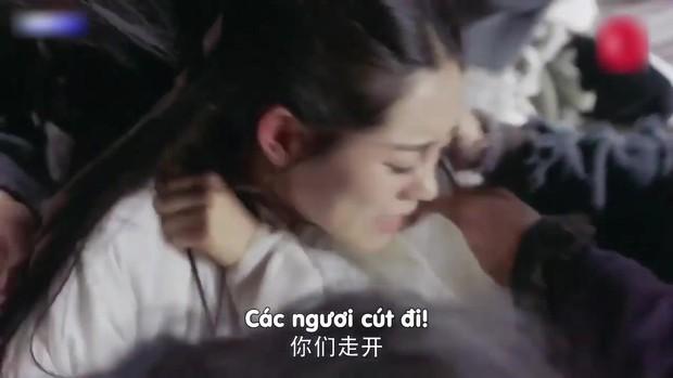 Đỉnh cao tối kiến: Biên kịch Tân Ỷ Thiên Đồ Long Ký tô trắng Chu Chỉ Nhược bằng cảnh... cưỡng bức tập thể - Ảnh 3.