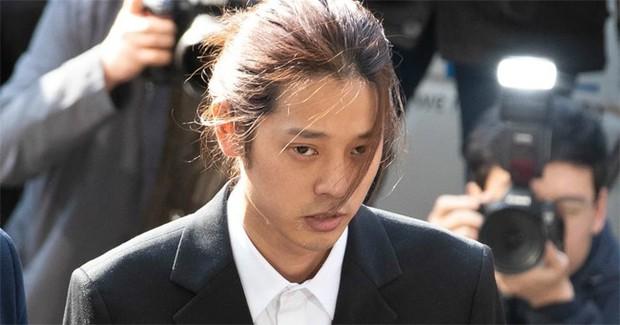 Chấn động chatroom quy mô khủng hơn Jung Joon Young cầm đầu: Có cả diễn viên, quý tử tài phiệt với hàng trăm clip, ảnh sex - Ảnh 1.