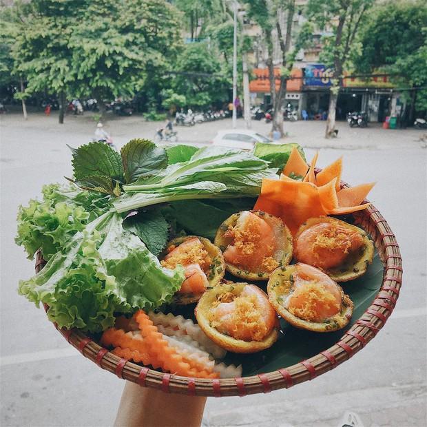 Để ý mới thấy, ở Hà Nội có mấy món bánh nhân tôm đỏ au cực hấp dẫn - Ảnh 8.