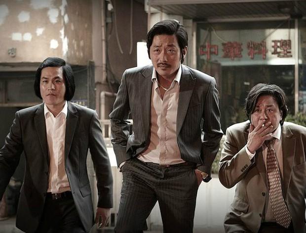 6 phim Hàn giúp bạn hiểu thế nào là dân anh chị gốc: Số 4 còn biết lợi dụng thế giới ngầm để làm thầy cãi - Ảnh 1.