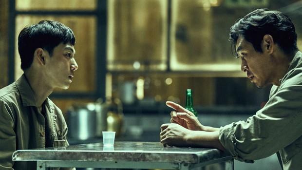 6 phim Hàn giúp bạn hiểu thế nào là dân anh chị gốc: Số 4 còn biết lợi dụng thế giới ngầm để làm thầy cãi - Ảnh 2.