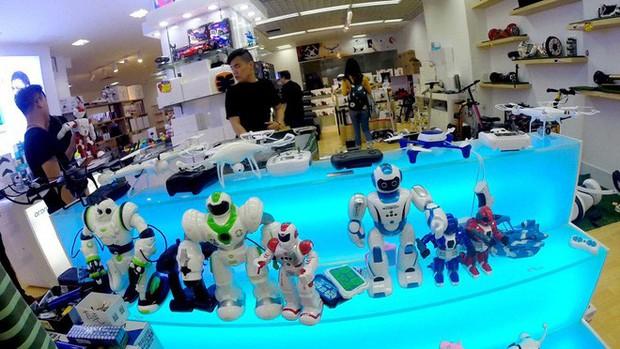 Chợ đồ nhái huyền thoại ở Silicon Valley Trung Quốc bị đóng cửa không thương tiếc - Ảnh 2.