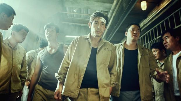 6 phim Hàn giúp bạn hiểu thế nào là dân anh chị gốc: Số 4 còn biết lợi dụng thế giới ngầm để làm thầy cãi - Ảnh 4.