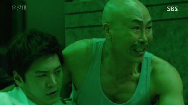 6 phim Hàn giúp bạn hiểu thế nào là dân anh chị gốc: Số 4 còn biết lợi dụng thế giới ngầm để làm thầy cãi - Ảnh 7.
