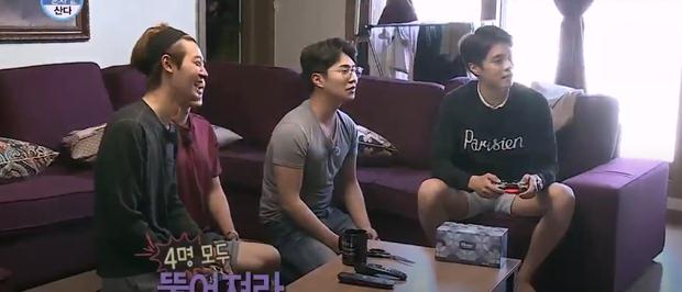 Roy Kim lẫn Eddy Kim đều từng bị Jung Joon Young đe dọa...  cướp mất bạn gái - Ảnh 2.