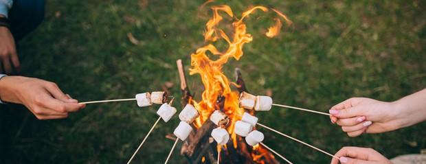 Smores: món bánh lạ lùng có tên thêm miếng nữa được sinh ra từ lửa trại của người Mỹ - Ảnh 5.