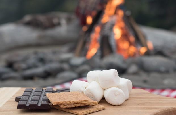 Smores: món bánh lạ lùng có tên thêm miếng nữa được sinh ra từ lửa trại của người Mỹ - Ảnh 4.