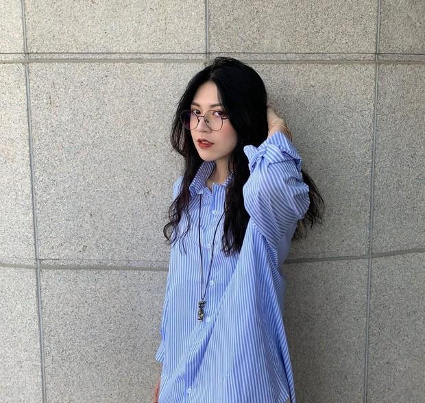 Nữ du học sinh Việt đang được truy lùng info nhiều nhất hôm nay: Nhan sắc như idol Hàn Quốc lại hao hao một Á hậu Việt Nam - Ảnh 2.