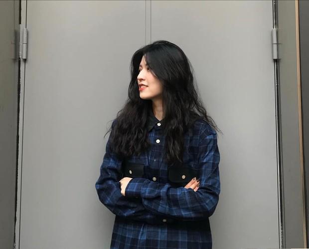 Nữ du học sinh Việt đang được truy lùng info nhiều nhất hôm nay: Nhan sắc như idol Hàn Quốc lại hao hao một Á hậu Việt Nam - Ảnh 3.