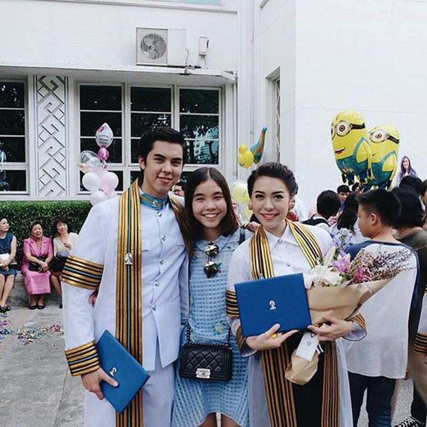 Anh chị em ruột của sao hạng A Thái Lan: Người vừa đẹp vừa siêu tài giỏi, kẻ kém sắc đến ngỡ ngàng - Ảnh 22.