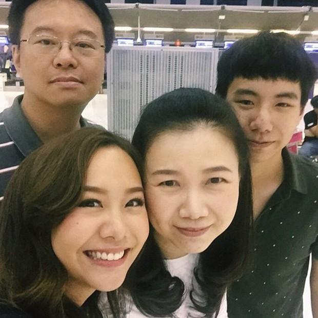 Anh chị em ruột của sao hạng A Thái Lan: Người vừa đẹp vừa siêu tài giỏi, kẻ kém sắc đến ngỡ ngàng - Ảnh 29.