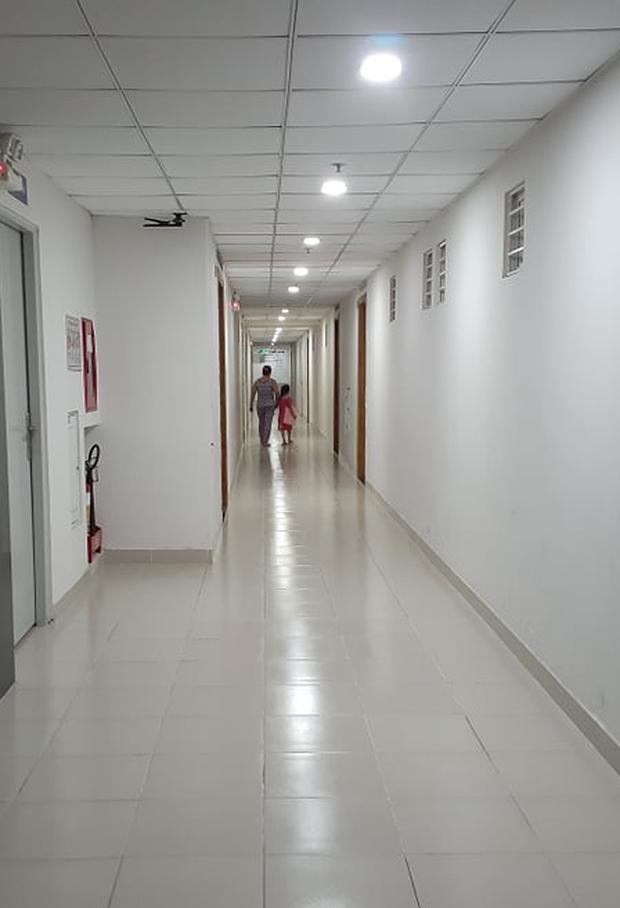 Sau vụ nguyên Viện phó VKS sàm sỡ bé gái, hàng loạt chung cư ở TP.HCM dán cảnh báo, nhắc nhau bảo vệ con - Ảnh 7.
