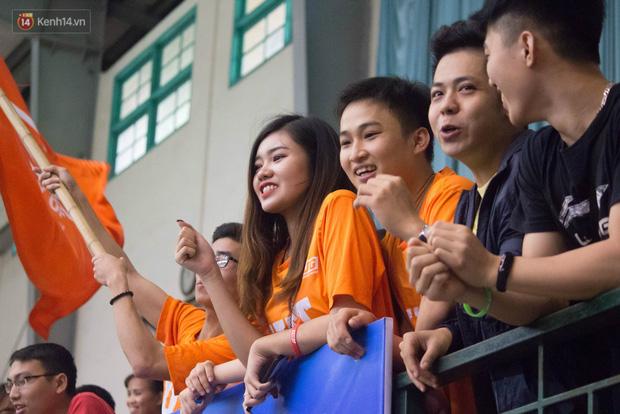 Nam sinh, nữ sinh hàng loạt Đại học lớn ở Hà Nội thi nhau đọ sắc: Trường nào nhiều trai xinh gái đẹp nhất? - Ảnh 4.