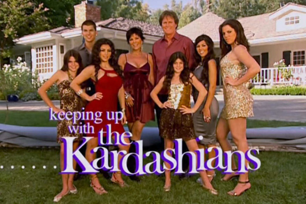 """Độ chịu chơi bá đạo đến mức cả thế giới phải thán phục của nhà Kardashian: Cách kiếm tiền nhờ sống ảo có chiến lược, """"rao bán"""" drama - Ảnh 1."""