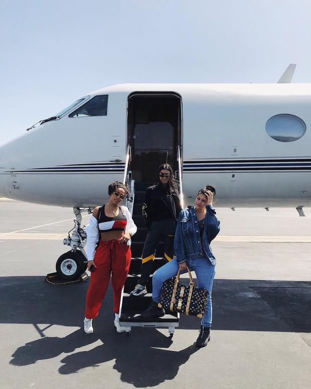 """Độ chịu chơi bá đạo đến mức cả thế giới phải thán phục của nhà Kardashian: Cách kiếm tiền nhờ sống ảo có chiến lược, """"rao bán"""" drama - Ảnh 9."""