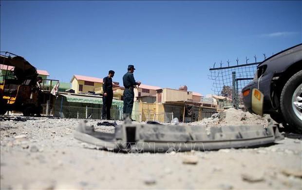 Ít nhất 22 người thương vong trong các vụ nổ liên tiếp tại Afghanistan  - Ảnh 1.