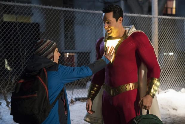 Mới ngày nào còn là vị thần lãng tử trong Thor, Zachary Levi nay đã trở thành thánh nhây của DC - Ảnh 8.