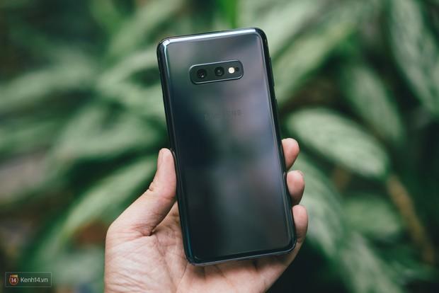 Trải nghiệm 1 tuần sử dụng Samsung Galaxy S10e - Bản mẫu hoàn hảo cho smartphone nhỏ gọn? - Ảnh 3.