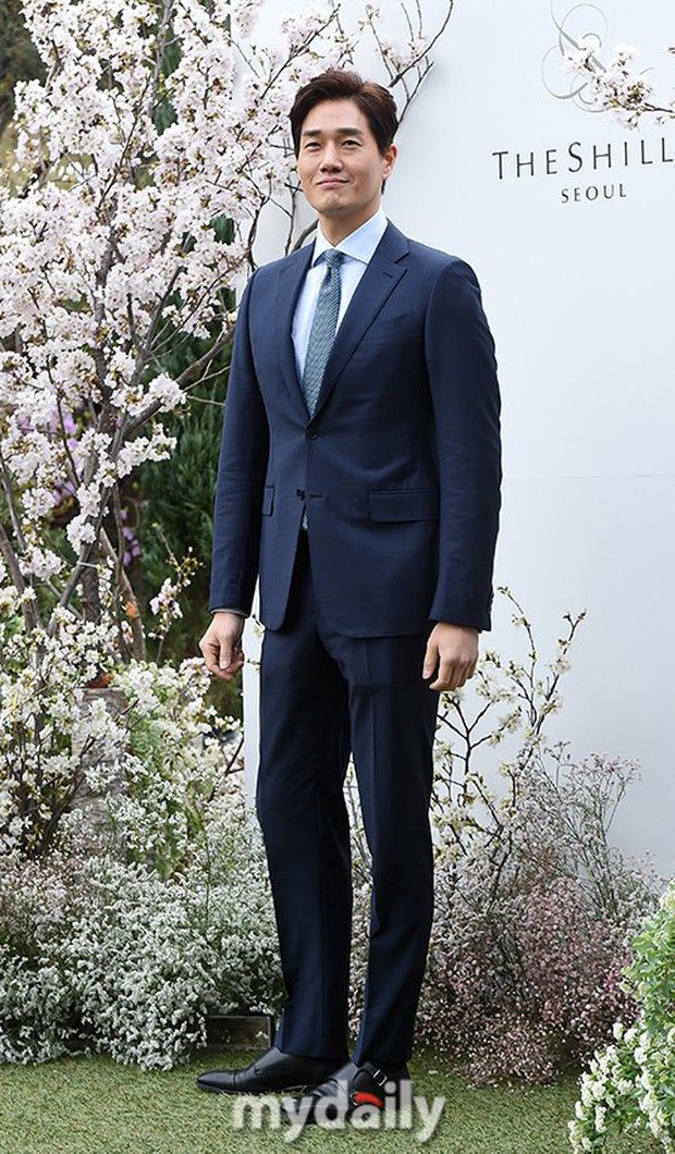 Đám cưới hot nhất hôm nay: Vợ chồng Lee Byung Hun đích thân tham dự, Seohyun - Dara xinh đẹp bên Son Ye Jin - Ảnh 10.