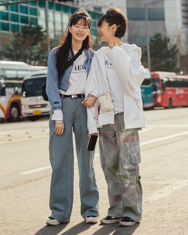 Biker short, suit màu be cùng hàng loạt hot trend bạn cần hóng từ street style của giới trẻ Hàn để lên đồ cho chuẩn mốt - Ảnh 11.