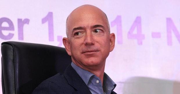 Tỷ phú công nghệ giàu nhất thế giới bị hack điện thoại, nghe có vô lý không? - Ảnh 2.