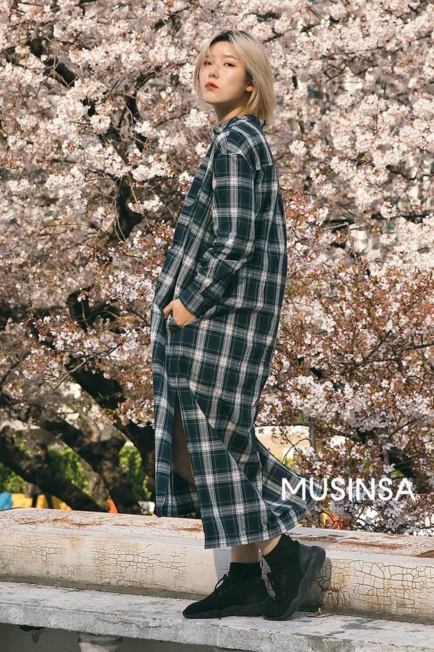 Biker short, suit màu be cùng hàng loạt hot trend bạn cần hóng từ street style của giới trẻ Hàn để lên đồ cho chuẩn mốt - Ảnh 5.