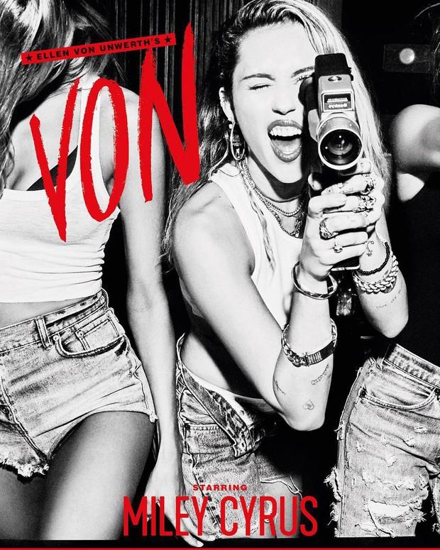 Miley Cyrus đốt mắt người xem bằng loạt ảnh đen trắng cực quyến rũ - Ảnh 1.