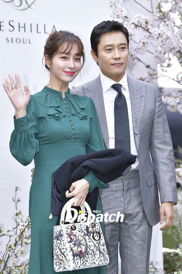 Đám cưới hot nhất hôm nay: Vợ chồng Lee Byung Hun đích thân tham dự, Seohyun - Dara xinh đẹp bên Son Ye Jin - Ảnh 8.