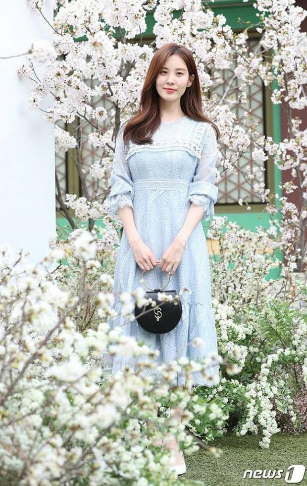 Đám cưới hot nhất hôm nay: Vợ chồng Lee Byung Hun đích thân tham dự, Seohyun - Dara xinh đẹp bên Son Ye Jin - Ảnh 6.