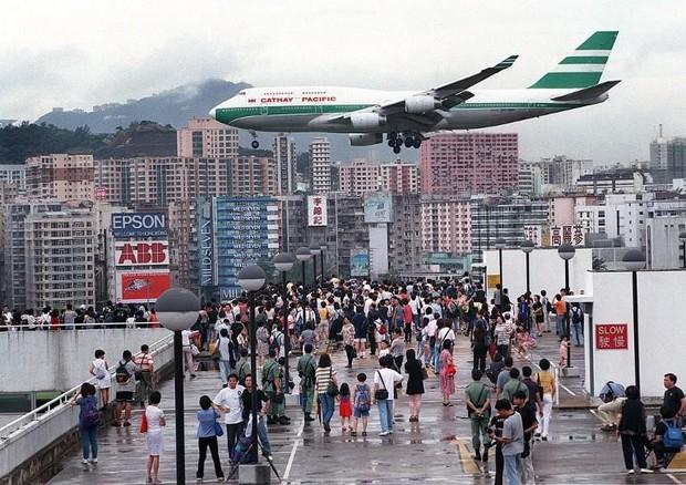 Kai Tak - Sân bay khó hạ cánh nhất thế giới, gắn liền với thời kỳ hoàng kim của Hồng Kông - Ảnh 6.