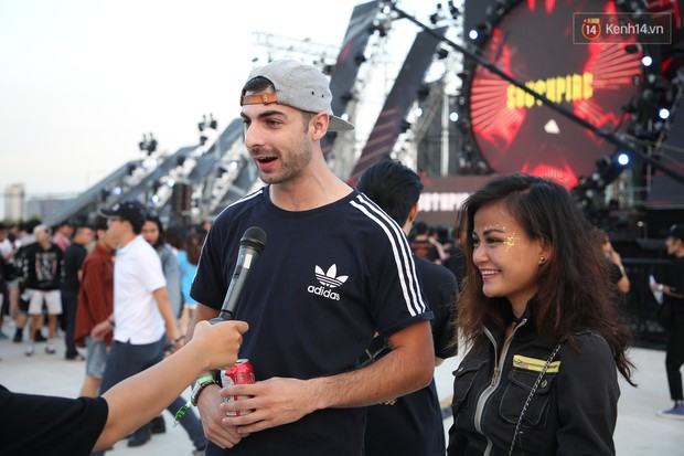 Đã lâu lắm rồi mới thấy trai xinh gái đẹp Sài Gòn tề tựu nhộn nhịp trong một lễ hội âm nhạc như tối qua! - Ảnh 15.