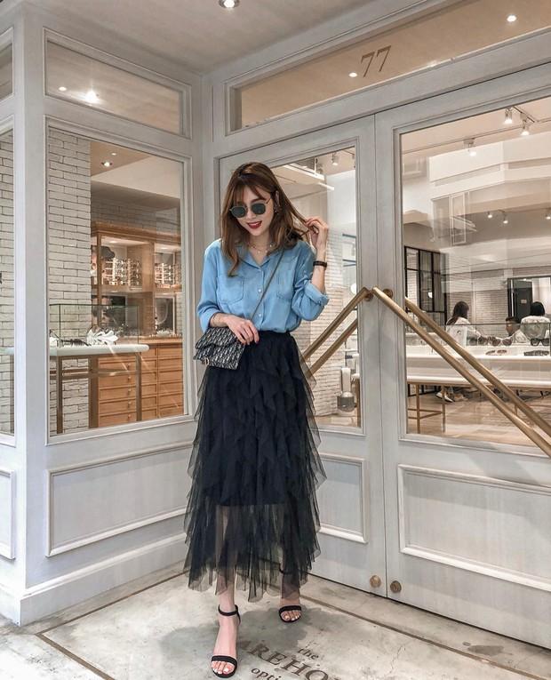 Chân váy dài + áo sơ mi: Combo luôn đúng giúp che mọi khuyết điểm từ bắp tay to, eo lớn, chân cong… cho nàng công sở - Ảnh 3.