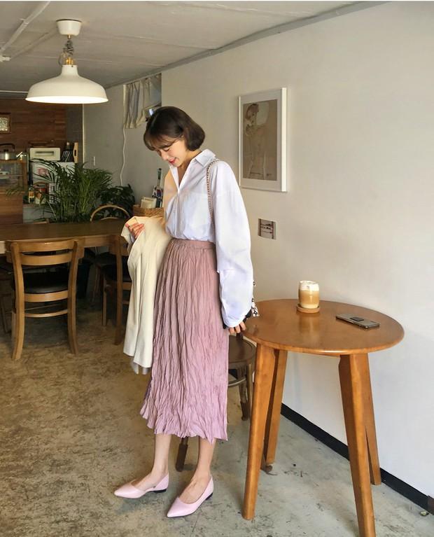 Chân váy dài + áo sơ mi: Combo luôn đúng giúp che mọi khuyết điểm từ bắp tay to, eo lớn, chân cong… cho nàng công sở - Ảnh 5.