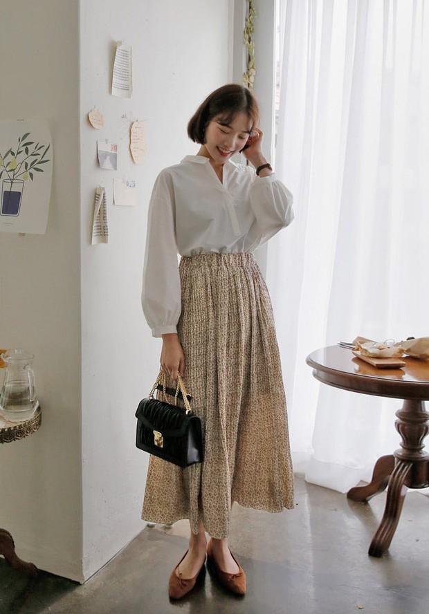 Chân váy dài + áo sơ mi: Combo luôn đúng giúp che mọi khuyết điểm từ bắp tay to, eo lớn, chân cong… cho nàng công sở - Ảnh 6.